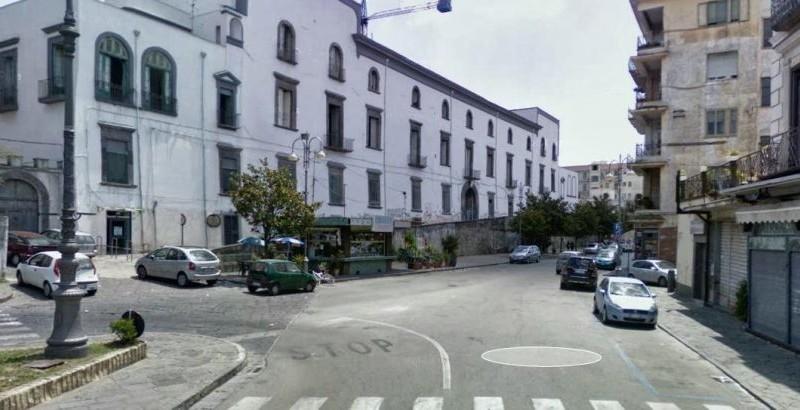 Palma Campania, tenta il suicidio il re degli atelier